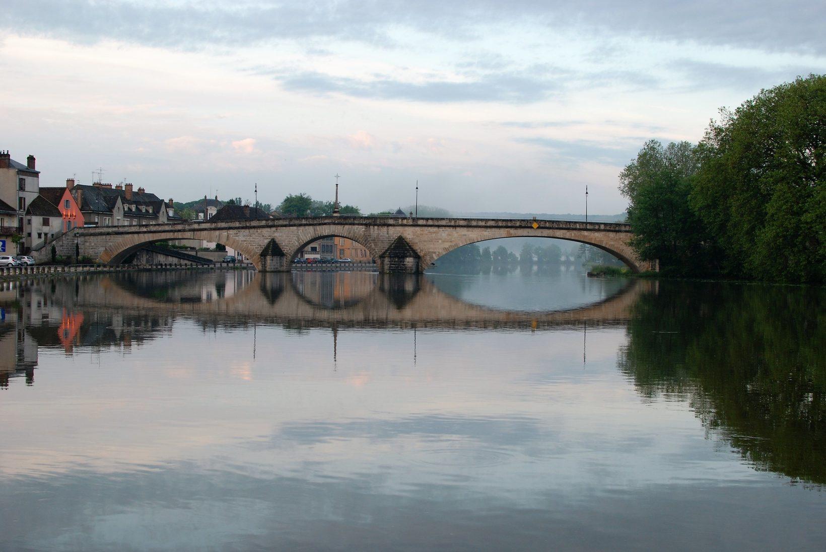 River Yonne at Villeneuve
