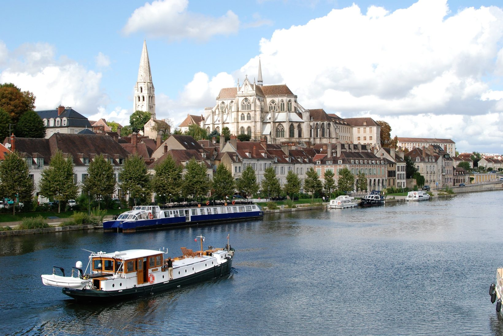 Hotel barge Randle at Auxerre